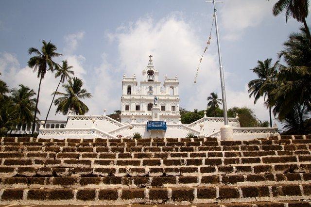 Храм в центре Панаджи, Индия