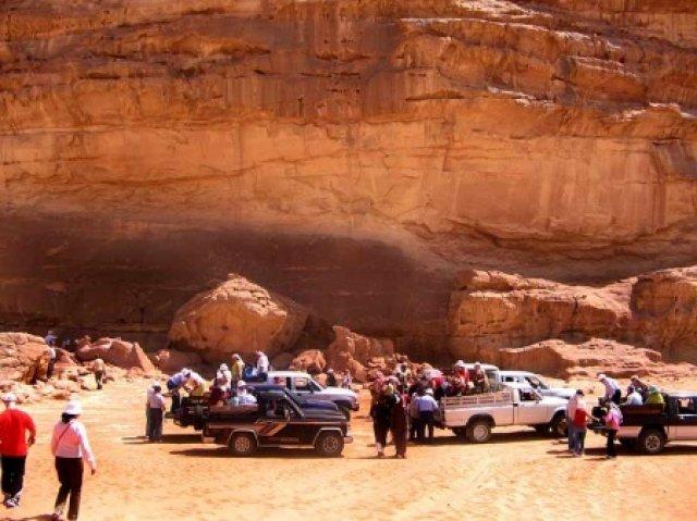 Туристы в Вади Рам, Иордания