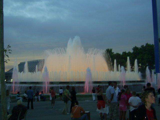 Шоу поющих фонтанов, Барселона, Испания