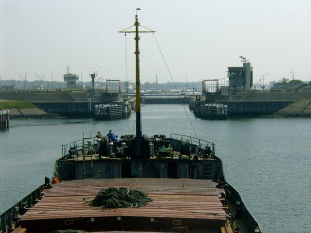 Главные морские ворота Амстердама.