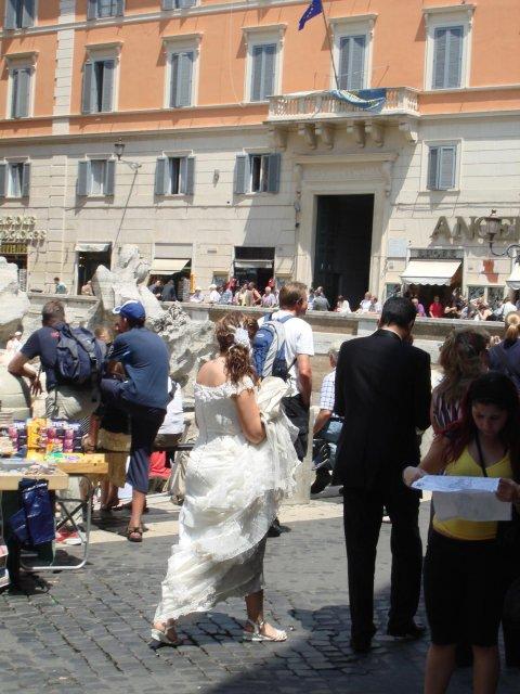 Молодожены в Риме, Италия