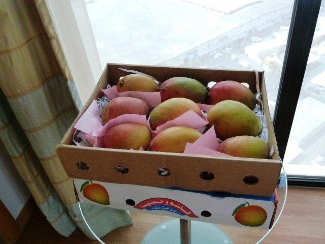 Каждое утра покупаю ящик манго в номер.
