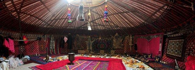 внутреннее убранство юрты кыргызов