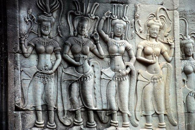 Ангкор.барельефы.Женщины