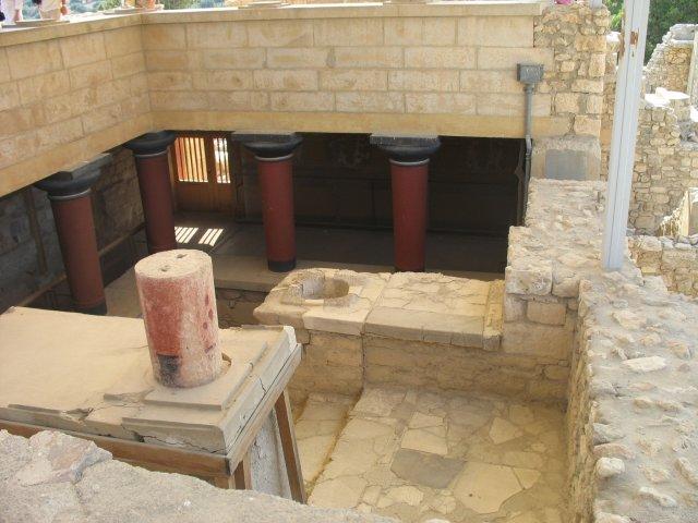 Крит: дворец Кносса востановлен по версии англичан
