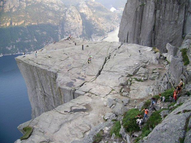 Взгляд на Прекестулен и Люсе-фьорд под другим углом