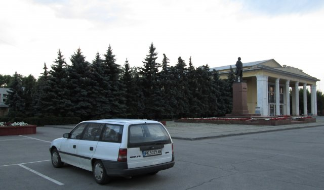 Автомобиль автора в центре Сызрани