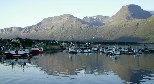 Порт, расположенный в фьорде