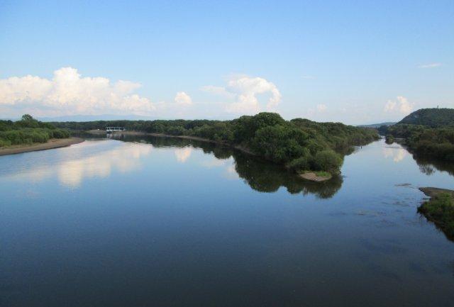 Река Уссури в ее верховье, которую сфотографировал с моста через нее
