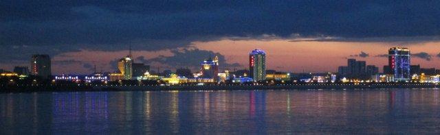 Вид на китайский город Хэйхэ через реку Амур