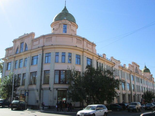 В этом здании было расположено правительство Дальневосточной республики 1920г.÷1922г.