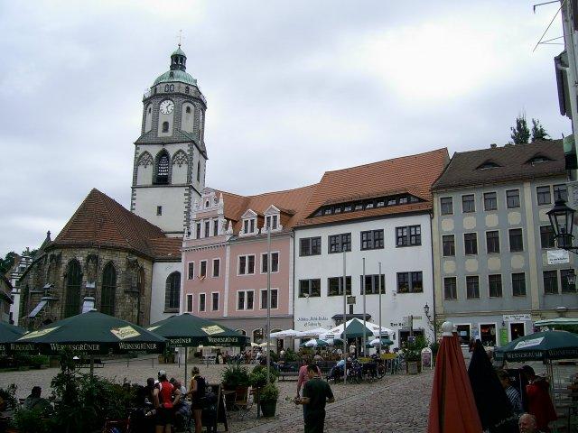 Рыночная площадь Маркт (Markt) с церковью Фрауэнкирхе (Frauenkirche) и башня с часами