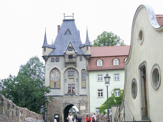 Вход во дворец Альбрехтсбург