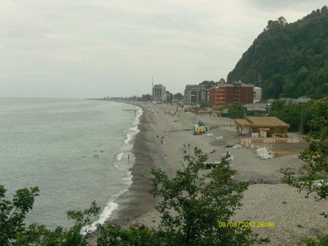 Пляж в городе Сарпи. Восточное побережье Чёрного моря.