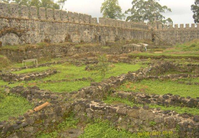 Руины крепости Гонио
