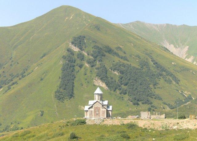 Альпийский городок и горнолыжный курорт Гудаури