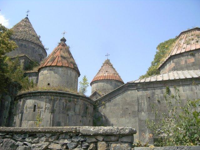 Монастырский комплекс в Санаине