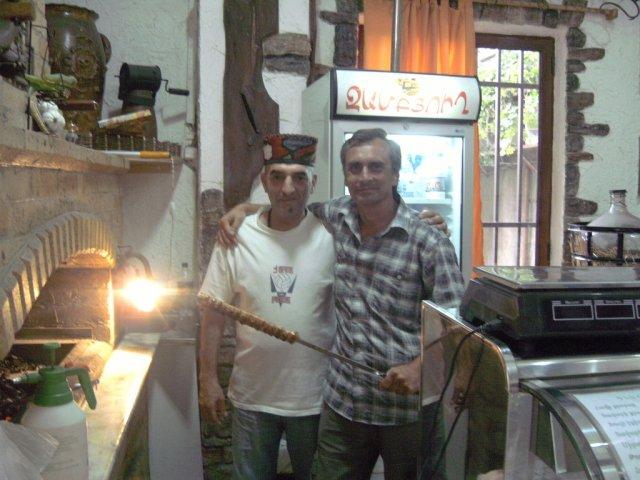 Автор пообедал кавказским шашлыком в закусочной