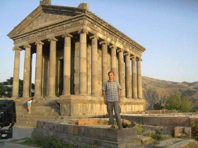 Храм в греческом стиле