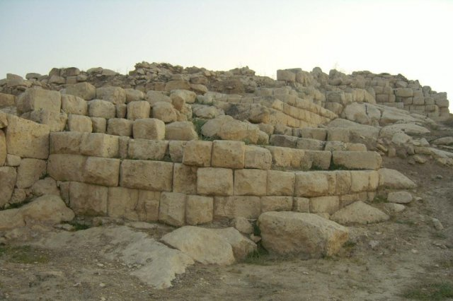 Археологические раскопки древнего города Тигранакерт