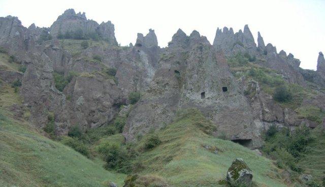 Породы вулканического происхождения, в которых в прошлые века были выдолблены дома