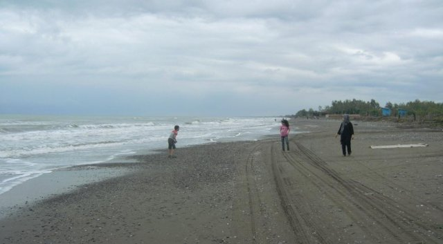 Пляж на Каспийском море, где я поплавал