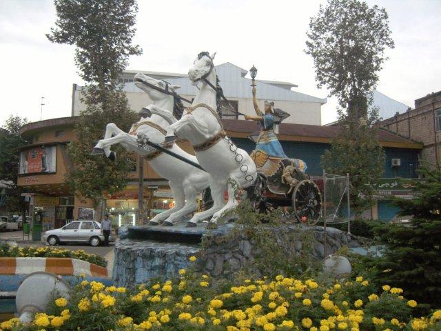Пластиковые скульптуры во Фюмане