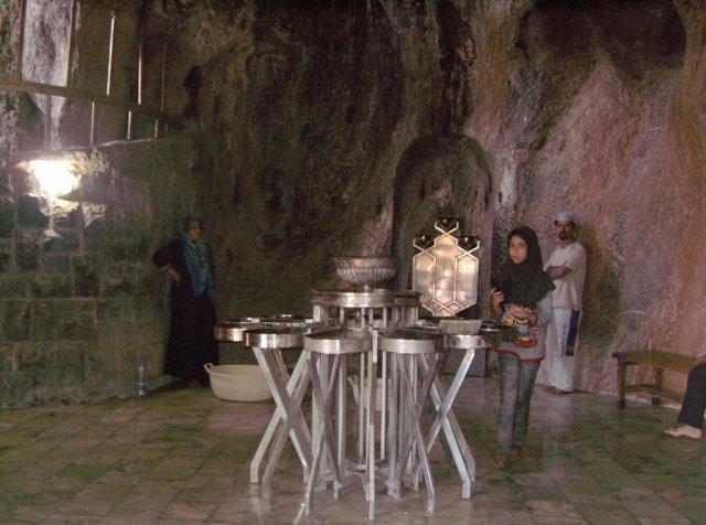 В храме огня Пир-е Сабз