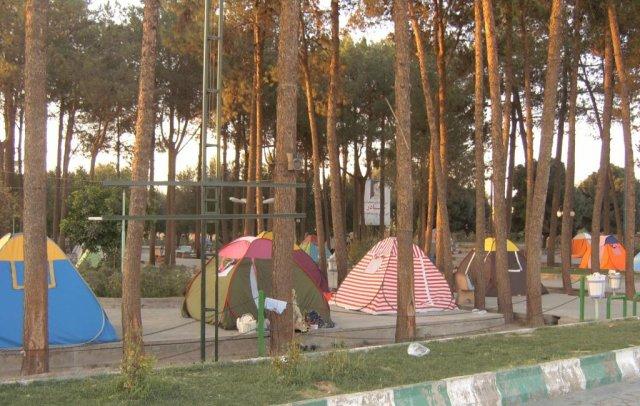 Миллионы иранцев путешествуют по своей родине, ночуя бесплатно в организованных туристических зонах