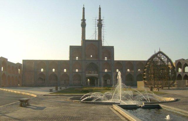 Религиозный комплекс с мечетью Амир Чакмак