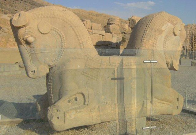 Хорошо сохраненные скульптуры