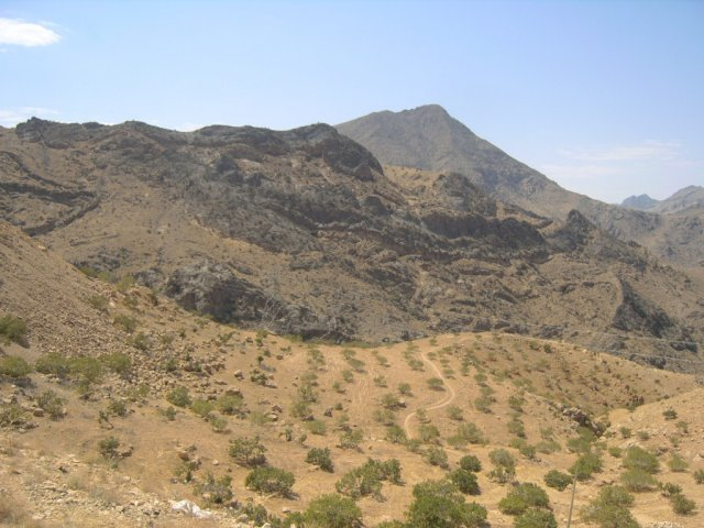 Через гору Кух-е Руд