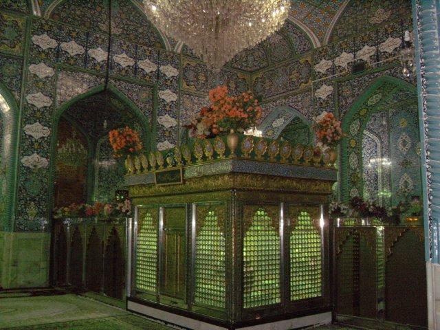 Гробница мусульманского святого в мечети