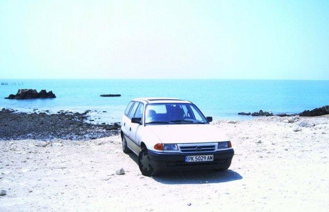 Мой автомобиль на берегу Персидского залива
