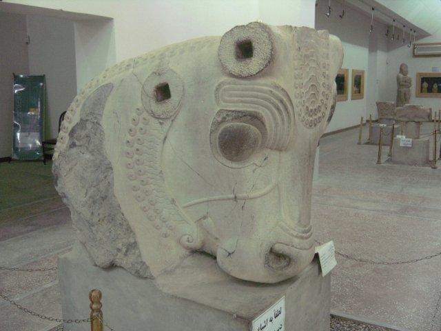 Экспонаты в Археологическом музее