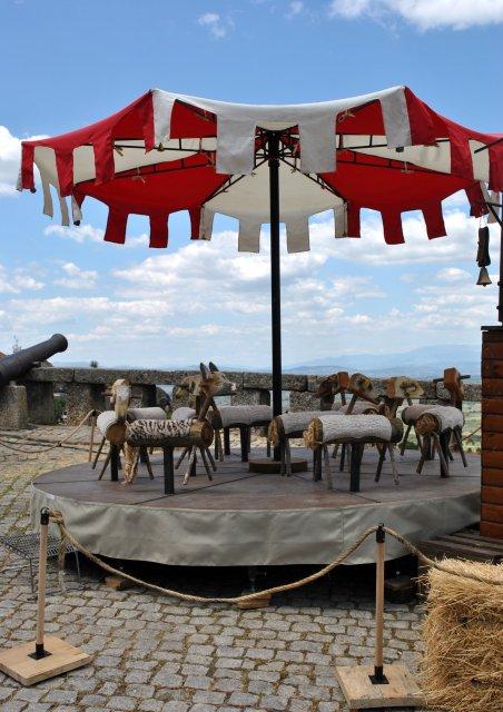 Традиционная карусель в Монсанту по случаю праздника.