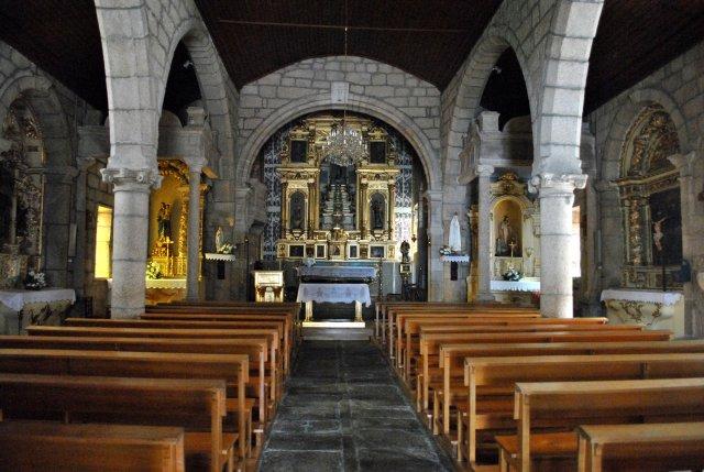 Главная церковь Монсанту. Вид изнутри.