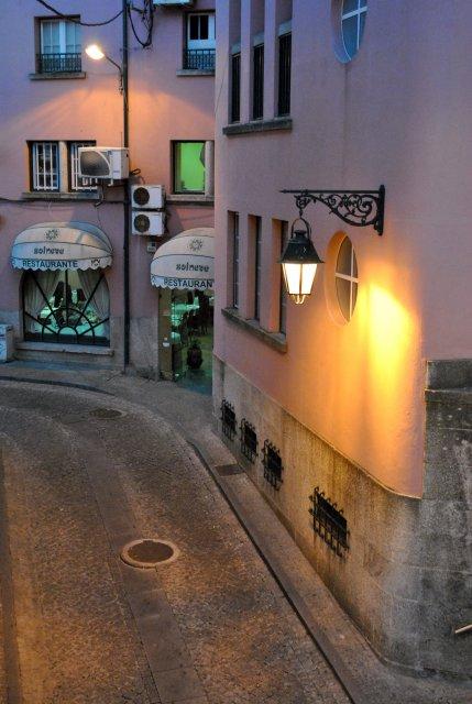 На одной из старых улочек города Ковилья.