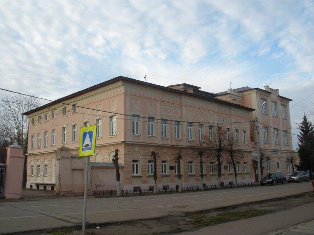 Усадьба XIX века, ныне школа №6
