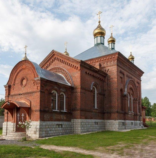 Церковь Николая Чудотворца в Покровском Климовском монастыре.