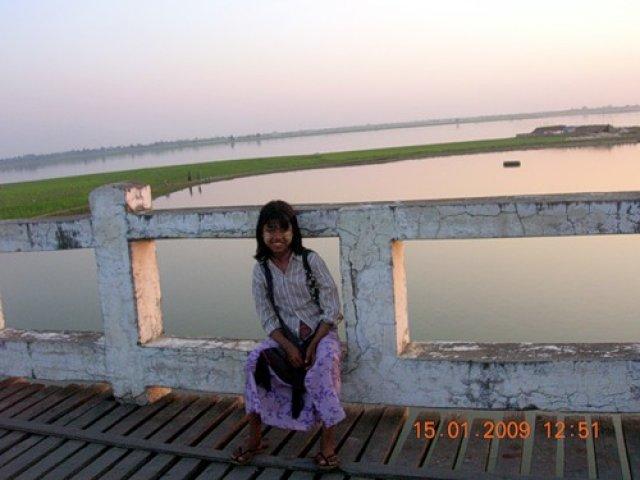 Местная жительница Мьянмы
