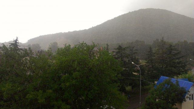 Дождик в горах