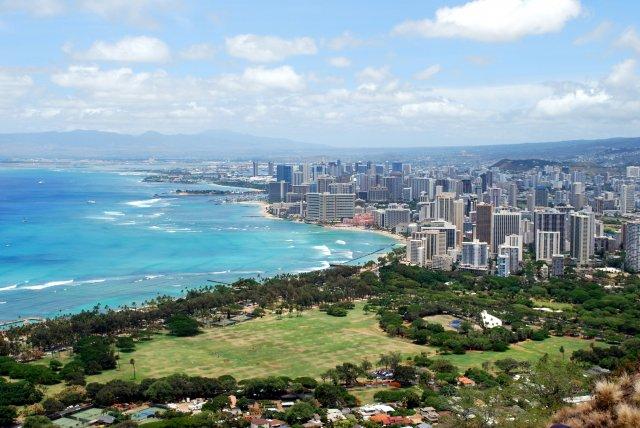 Вид на Вайкики, остров Оаху, Гавайи, США