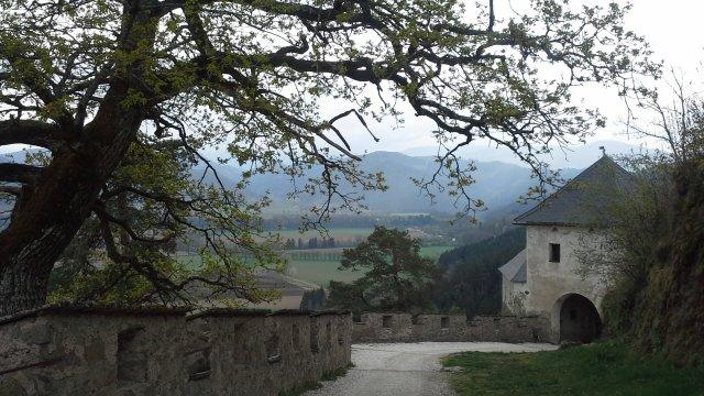 По дороге в замок