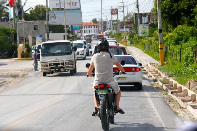 дорога стала узкой и появился транспорт - скрость меньше, хотя у нас клима - ехать прохладно и интересно
