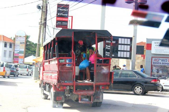 """это рейсовый """"автобус""""- жара такя, что это лучшее что может быть для поездок"""