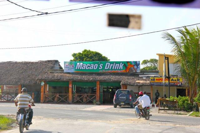известное у туристов МАКАО - пляжи тут хорошие