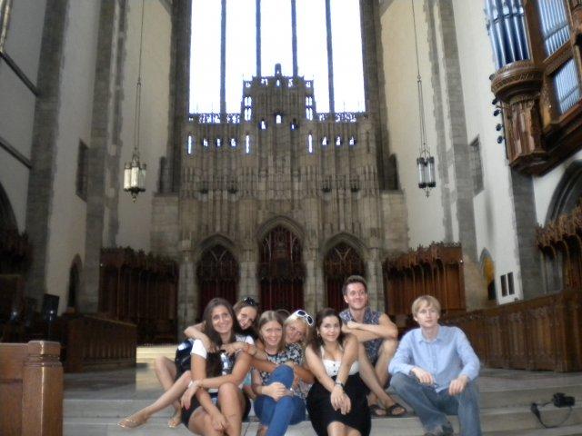 Церковь, Университет Чикаго, США