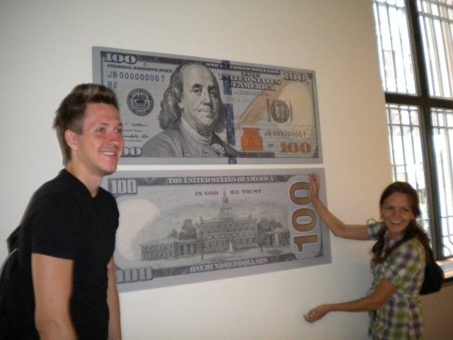 Новая банкнота 100 долларов, США