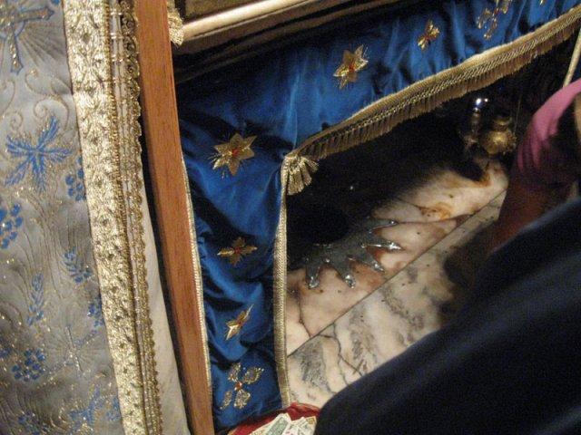 Здесь Дева Мария родила Иисуса Христа